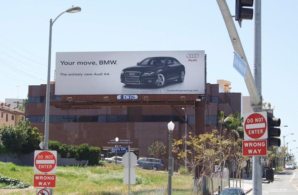 Audi A4 sa bilborda poručuje BMW-u da je na potezu - reklamiranje firme