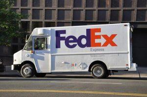 FedEx kamion za prevoz paketa
