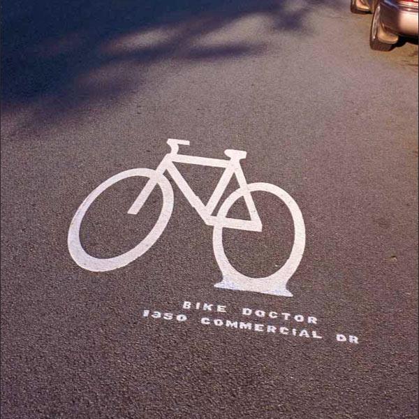 Probušena guma bajka znak reklamiranje bikes on the drive opravka sličica