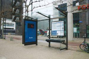 Reklamiranje Fitness First na buskoj stanici