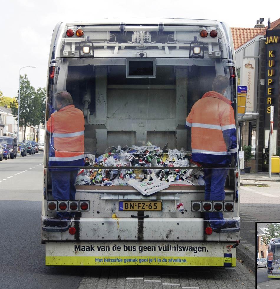 Zadnji deo busa kao kamion za smeće u saobracaju - reklamiranje SNS