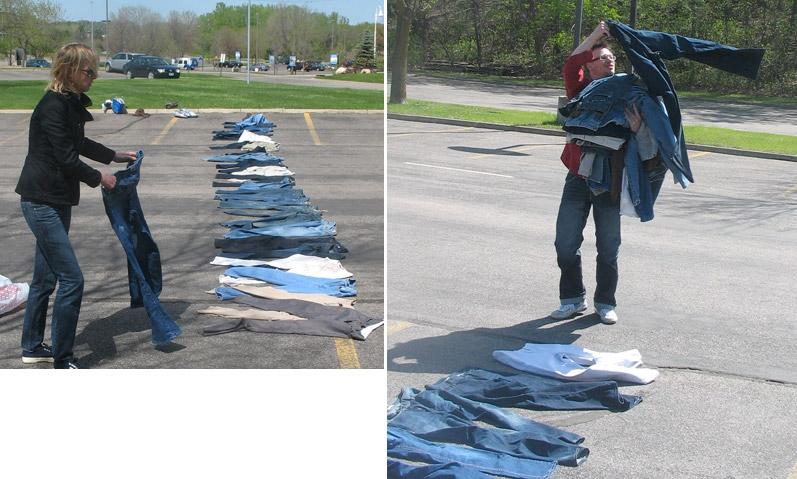 Žena i muškarac na parkingu poređali široke pantalone
